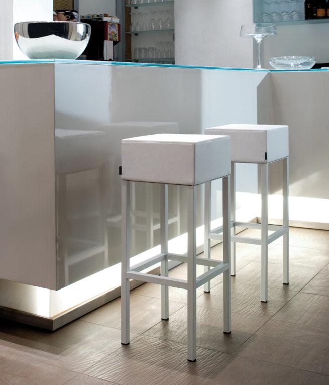 stool,kitchen